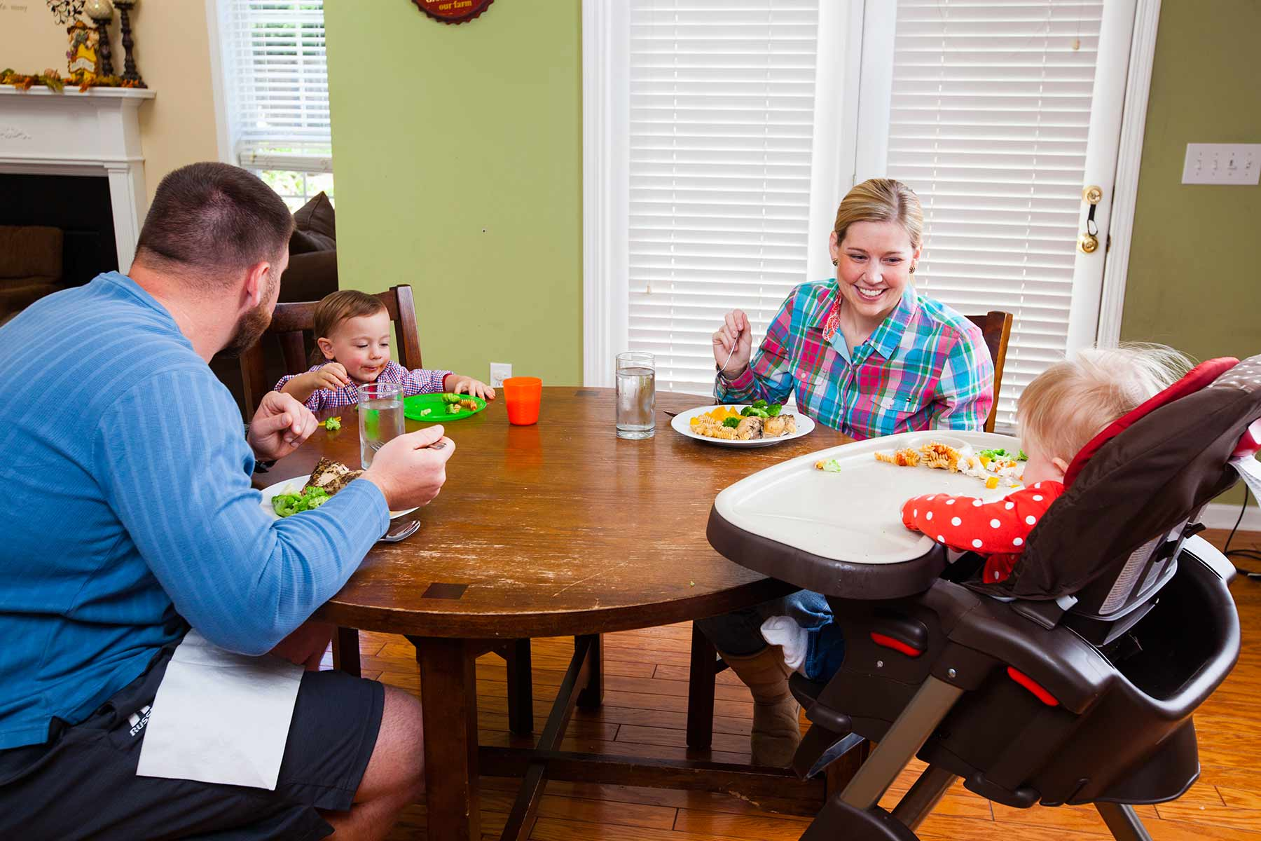 Mealtime Milestone For Baby Family Dinners Strong4life