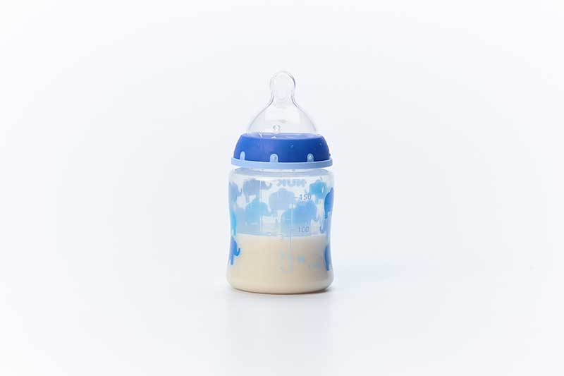 3 ounces of breastmilk or formula